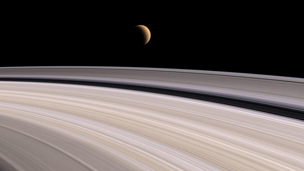 Saturno incrível