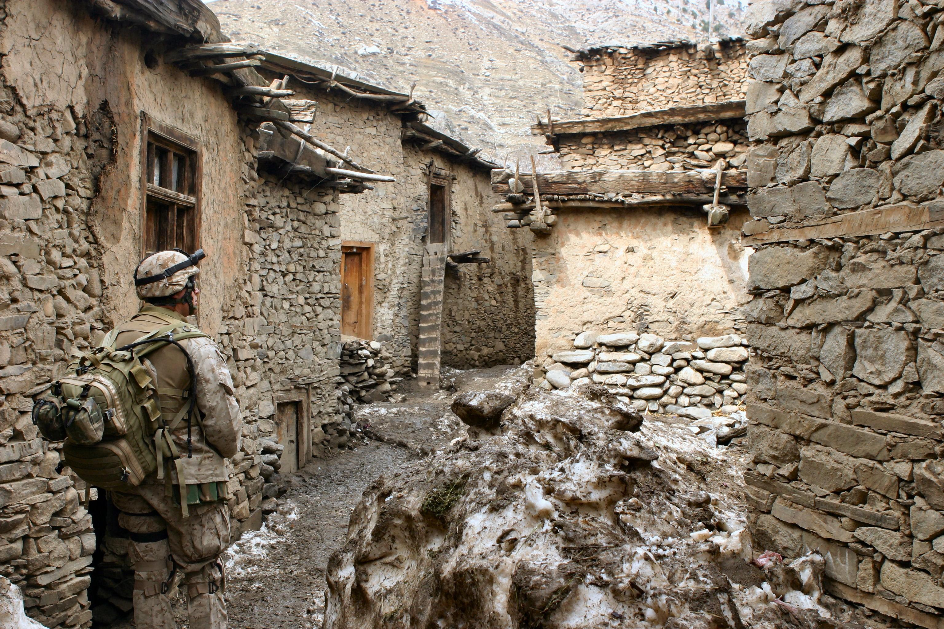 Soldados norte-americanos patrulham o Afeganistão (Foto: Wikimedia Commons)