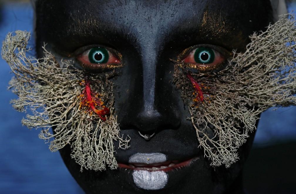 Drag queen é comprometida com a preservação do meio ambiente no Brasil — Foto: Ricardo Oliveira/AFP